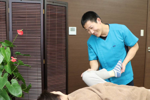 膝の水がたまった患者