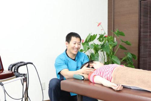 巻き肩の治療